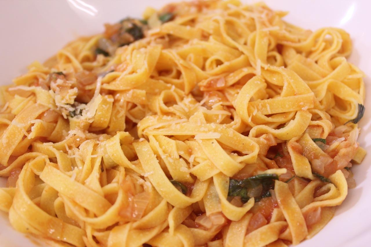 tagliolini-pomodoro-e-basilico_3