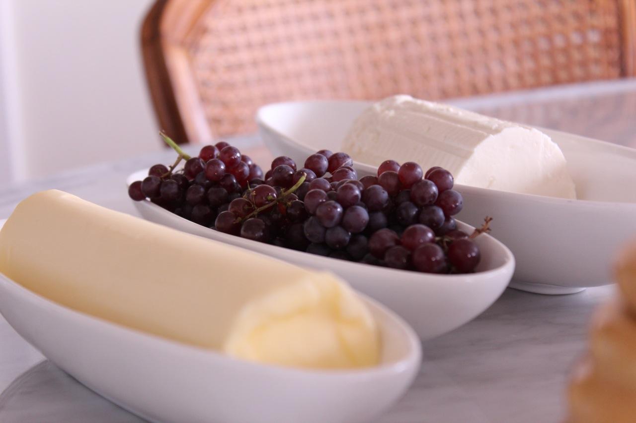 Manteiga francesa sem sal, uvas e ricota Gioia