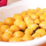 Gnocchi de abóbora assada com laranja e sálvia