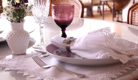mesa-branca-e-roxa-1