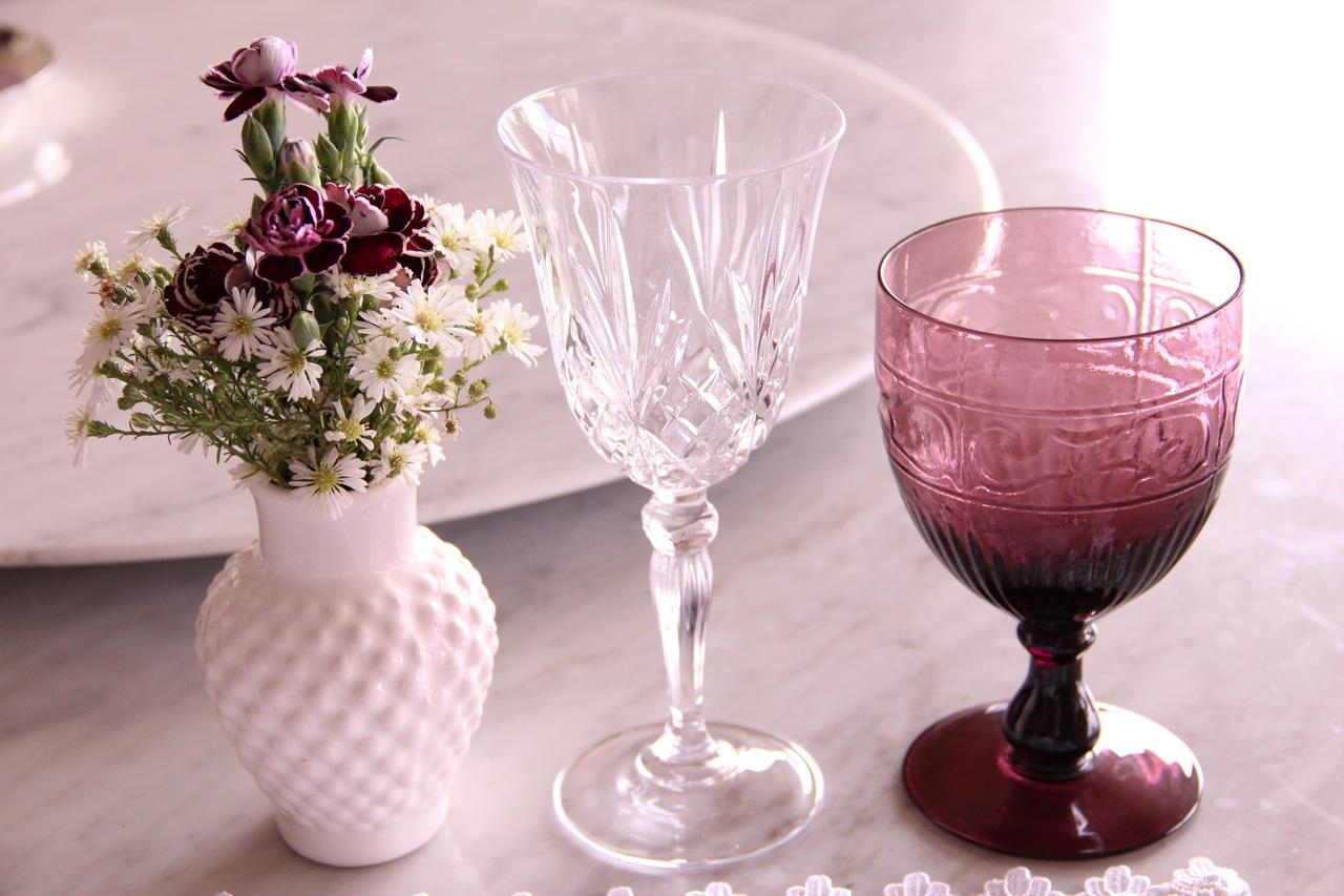 mesa-branca-e-roxa-2