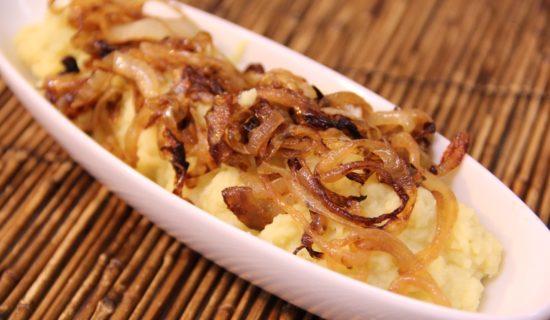 pure-de-batata-doce-com-cebolas-douradas-1